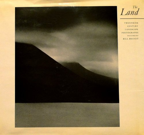 9780306707537: The Land: Twentieth Century Landscape Photographs