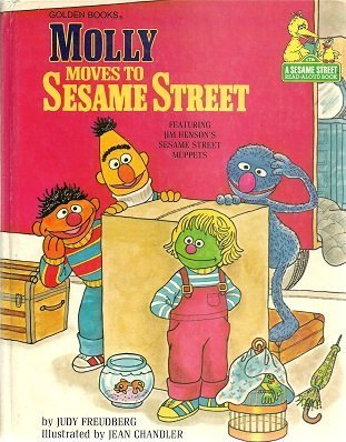 9780307116109: Molly Moves to Sesame Street