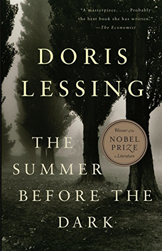 9780307390622: The Summer Before The Dark (Vintage International)
