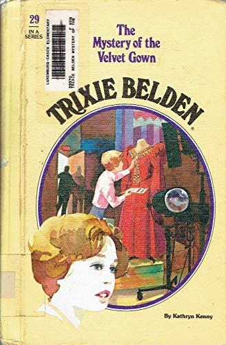 9780307615503: The Mystery of the Velvet Gown (Trixie Belden)