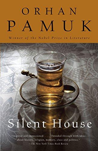 9780307744838: Silent House (Vintage International)