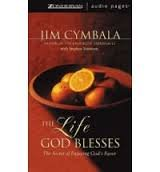 9780310245926: The Life God Blesses: The Secret of Enjoying God's Favor