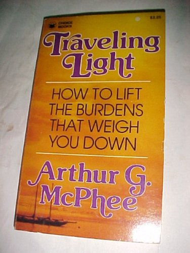 9780310373223: Traveling light: How to lift the burdens that weigh you down