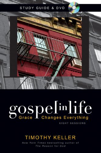 9780310618980: Gospel in Life Study Guide with DVD: Grace Changes Everything