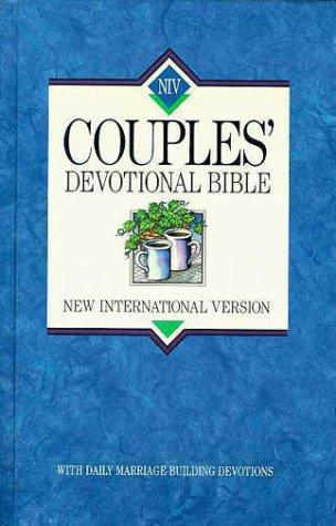 9780310916109: NIV Couples' Devotional Bible: New International Version