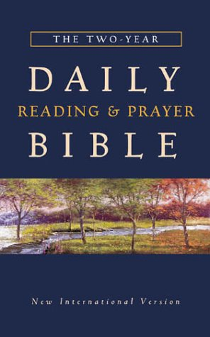 9780310919537: The Two Year Daily Reading & Prayer Bible