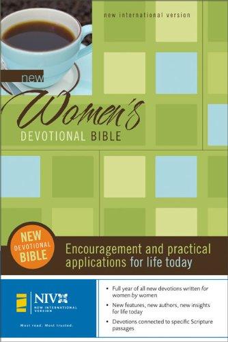 9780310936138: New Women's Devotional Bible: New International Version