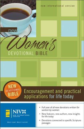 9780310936145: New Women's Devotional Bible