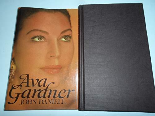 9780312062408: Ava Gardner