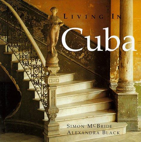 9780312197278: Living in Cuba