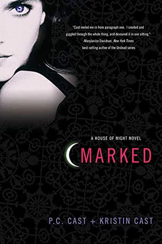 9780312360269: Marked (House of Night, Book 1)