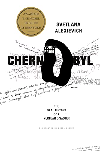9780312425845: Voices from Chernobyl: The Oral History of a Nuclear Disaster