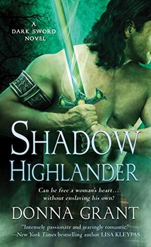 9780312533489: Shadow Highlander: A Dark Sword Novel