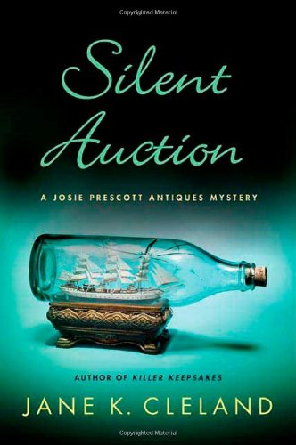 9780312586553: Silent Auction (Josie Prescott Antiques Mysteries)