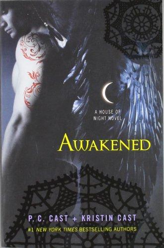 House of Night 08. Awakened: Macmillan USA