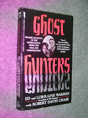 9780312923259: Ghost Hunters