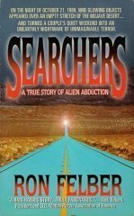 9780312955113: Searchers: A True Story