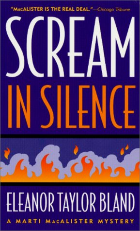 9780312974947: Scream in Silence (Marti MacAlister Mysteries)