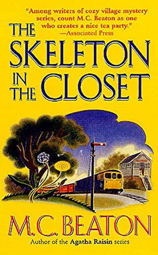9780312981457: The Skeleton in the Closet (St. Martin's Minotaur Mysteries)