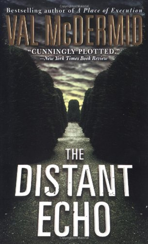 9780312994839: The Distant Echo