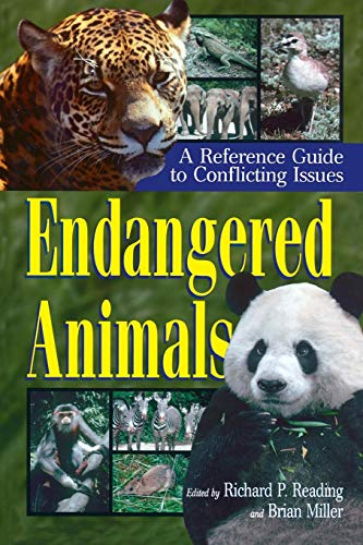 9780313308161: Endangered Animals: A Reference Guide to Conflicting Issues