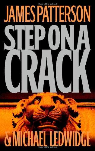 9780316013949: Step on a Crack