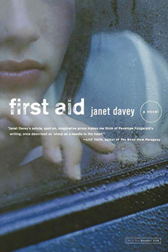 9780316059978: First Aid: A Novel