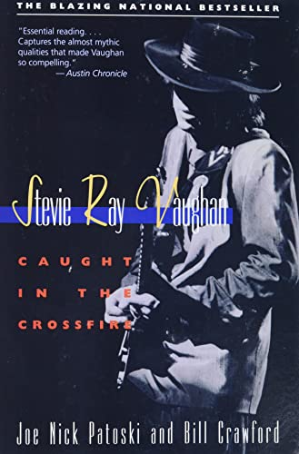 9780316160698: Stevie Ray Vaughan: Caught in the Crossfire