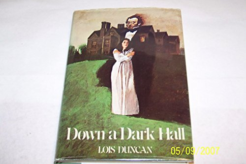 9780316195478: Down a Dark Hall