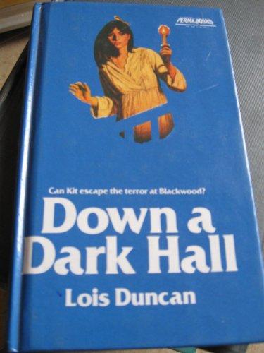 9780316195478: Down a Dark Hall