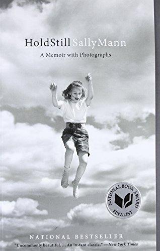 9780316247757: Hold Still: A Memoir with Photographs