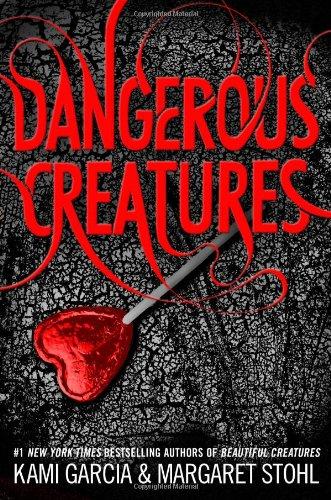 9780316370318: Dangerous Creatures