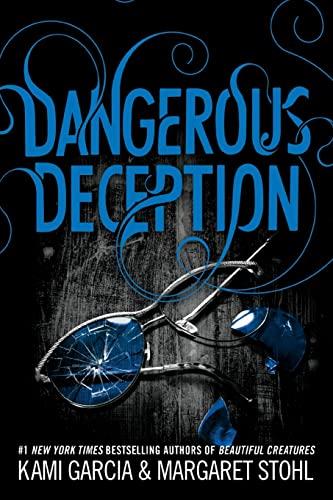 9780316370363: Dangerous Deception (Dangerous Creatures)