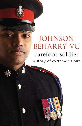 9780316733212: Barefoot Soldier: A Story of Extreme Valour (Carolus Deene Series)