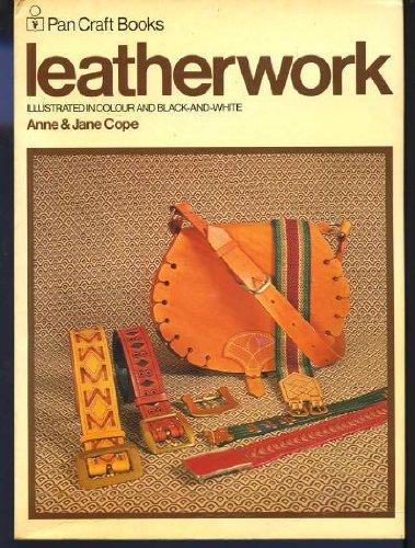 9780330258395: Leatherwork (Craft Books)