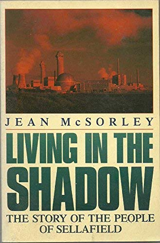 9780330313315: Living in the Shadow