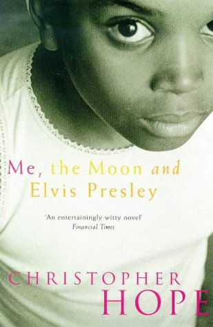 9780330354738: Me, the Moon and Elvis Presley