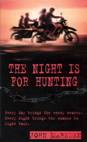 9780330390712: The Night is for Hunting (War)