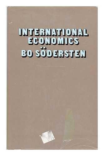 9780333126202: International economics
