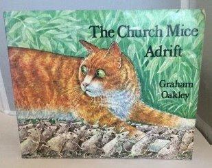 9780333255292: The Church Mice adrift