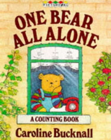 9780333452820: One Bear All Alone (Picturemacs)