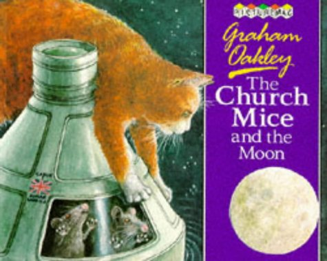 9780333493380: THE CHURCH MICE AND THE MOON