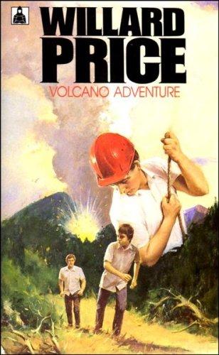9780340172179: Volcano Adventure