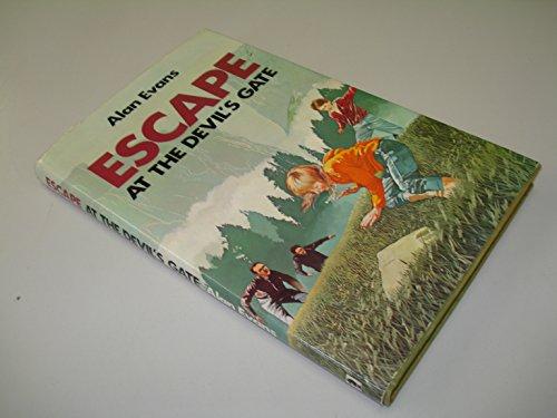 9780340231722: Escape at the Devil's Gate