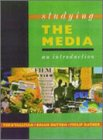 9780340598283: Studying the Media: An Introduction