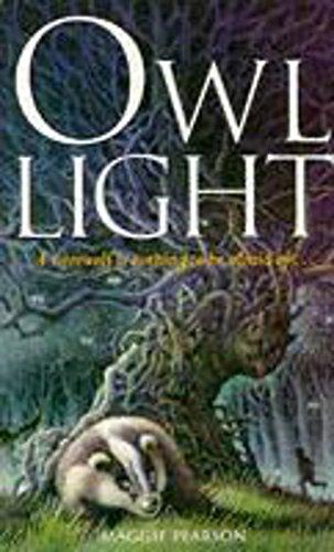 9780340655726: Owl Light