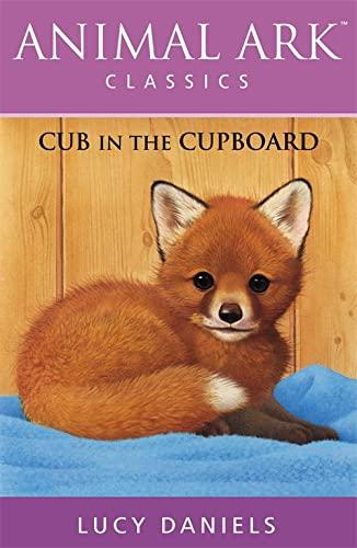 9780340877128: Cub in the Cupboard (Animal Ark Classics #7)