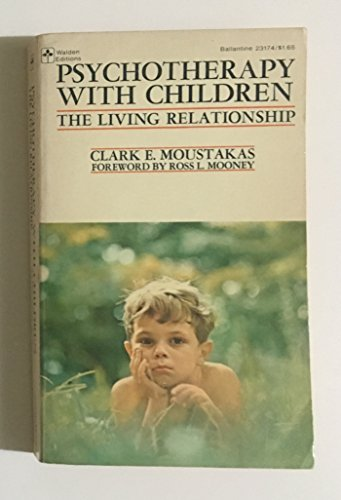 9780345231741: Psychotherapy with Children