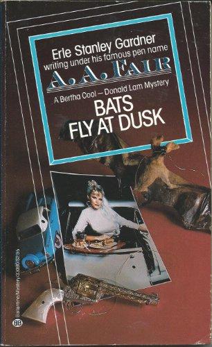 9780345330802: Bats Fly at Dusk