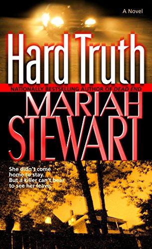 9780345476678: Hard Truth: A Novel